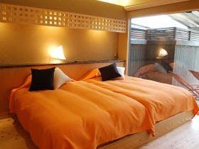 【贅沢な時間に憩う】飛騨の奥座敷料亭宿の露天風呂付スイート