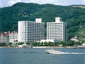 妻と関東近郊(3時間以内)の温泉地で、旨い日本酒の蔵元があるところ。東京在住です。見学が出来ると嬉しいです。一泊二日で予算5万。群馬県、長野県あたりでお願いします。