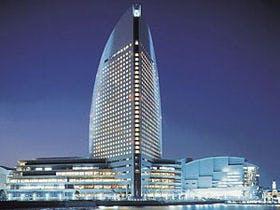 2月の初めに、兵庫から彼女と横浜方面へ旅行に行く予定です。おすすめのホテルを教えて下さい。