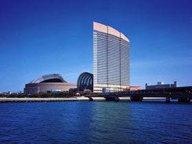 福岡でディナーと夜景を楽しめるホテル