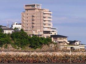関西で日帰り温泉と美味しい料理を楽しめる宿を教えて