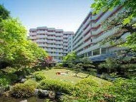 恋人と鬼怒川に行って、夏の露天風呂を貸切で満喫したい。一泊二日、一人一泊2万円以下で泊まれる宿を教えてください。