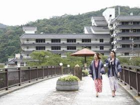 女子5人、鳥取砂丘で女子会に。近隣のおすすめの宿は?