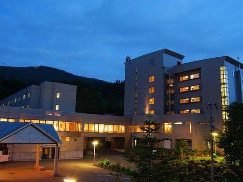 ■蔵王国際ホテル外観(夜イメージ)