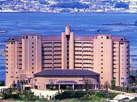 関西で大きな温水プールのあるリゾートホテル