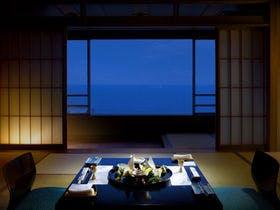 和みの「和室」プラン 視界いっぱいに広がる大海原にゆっくりと流れる時間を感じる