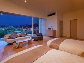 【素泊まり】目線の先には煌めく「世界新三大夜景」全室オーシャンビューの最上級デザイナーズホテル