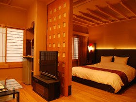 「貴賓室」~いわと~<総檜風呂付和洋室>ハリウッドダブルルームと落ち着きのある和室で寛ぎのご滞在
