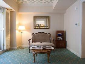【50歳以上限定】【aeru room】-第1話- 長崎の魅力を体感できるお部屋/「和華蘭」朝食付き
