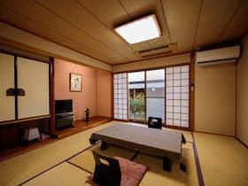 ・【素泊まり】和風旅館でゆったりステイ~気軽に泊まって湯布院観光や街歩き、温泉を楽しもう