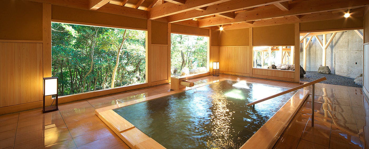 Large Public Bath for Single-Day Trip