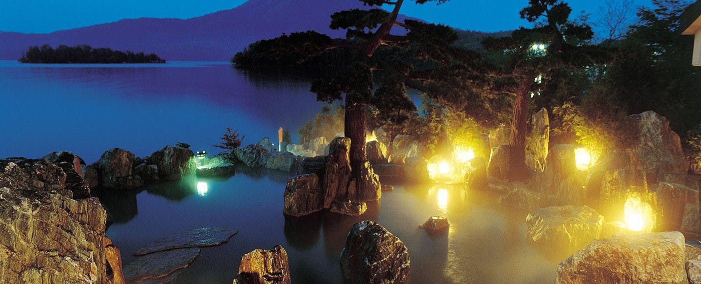 1F 庭園露天風呂「鹿泉の湯」