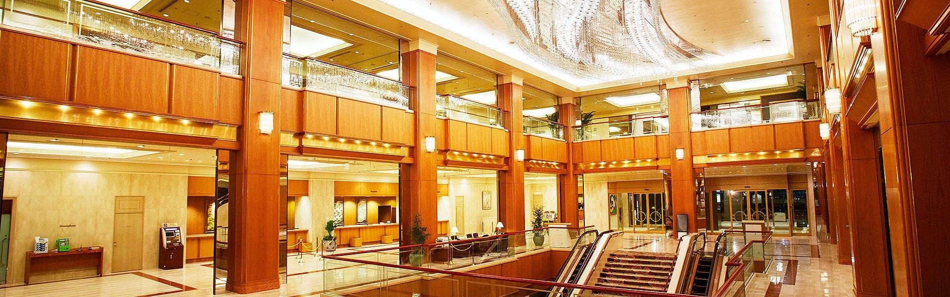 ロイヤルパークホテル - 宿泊予約は[一休]