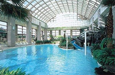 全天候型屋内温水プール