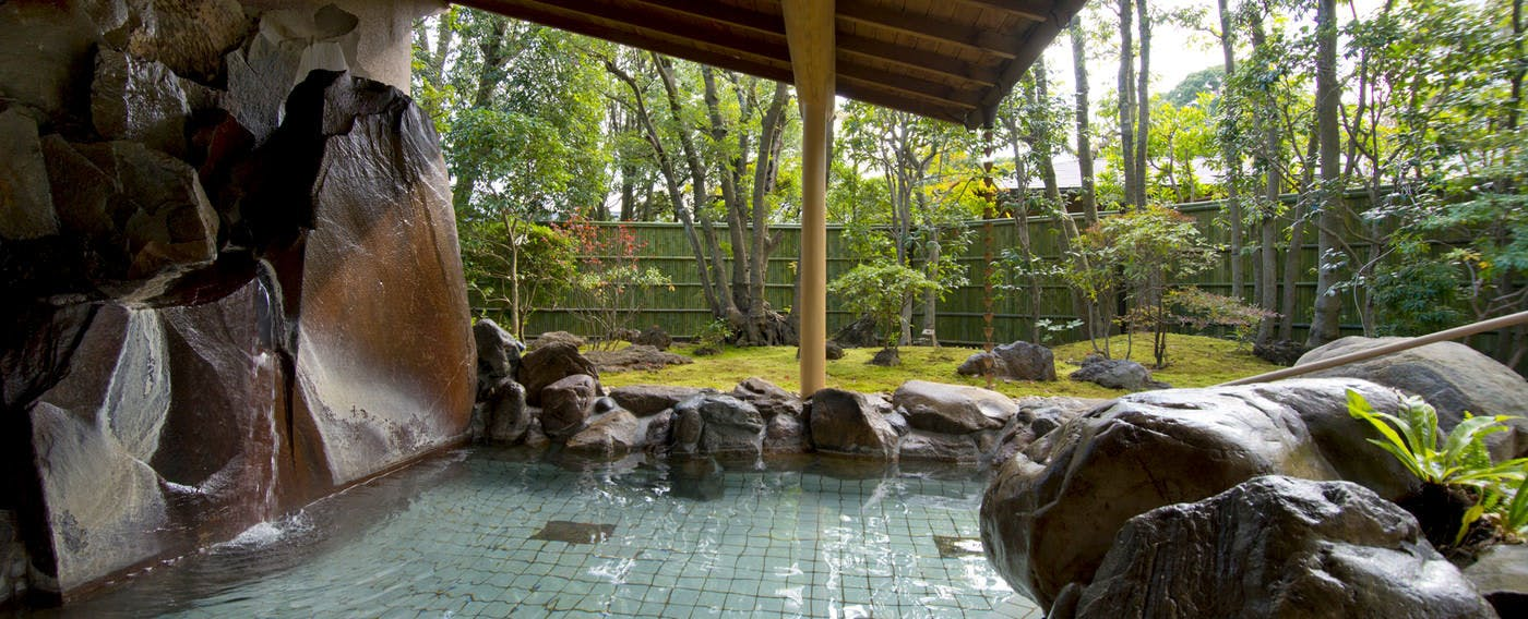 Public Open-Air Bath with Garden 'Hanabusa'