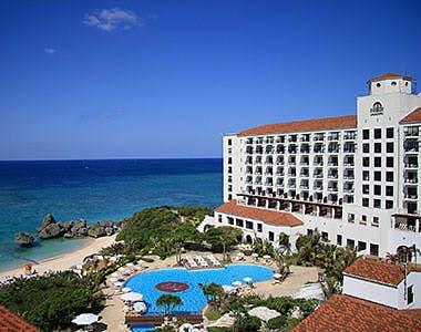 ホテル日航アリビラ ヨミタンリゾート沖縄 外観