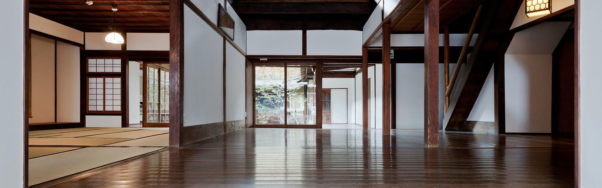 歴史とデザインが融合したアートエンタテイメント空間