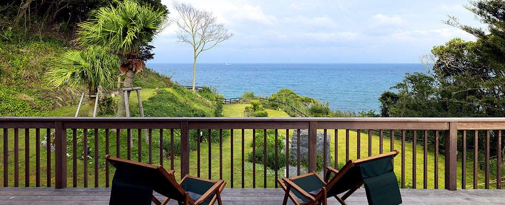 空と海と星空を満喫する贅沢な屋外施設